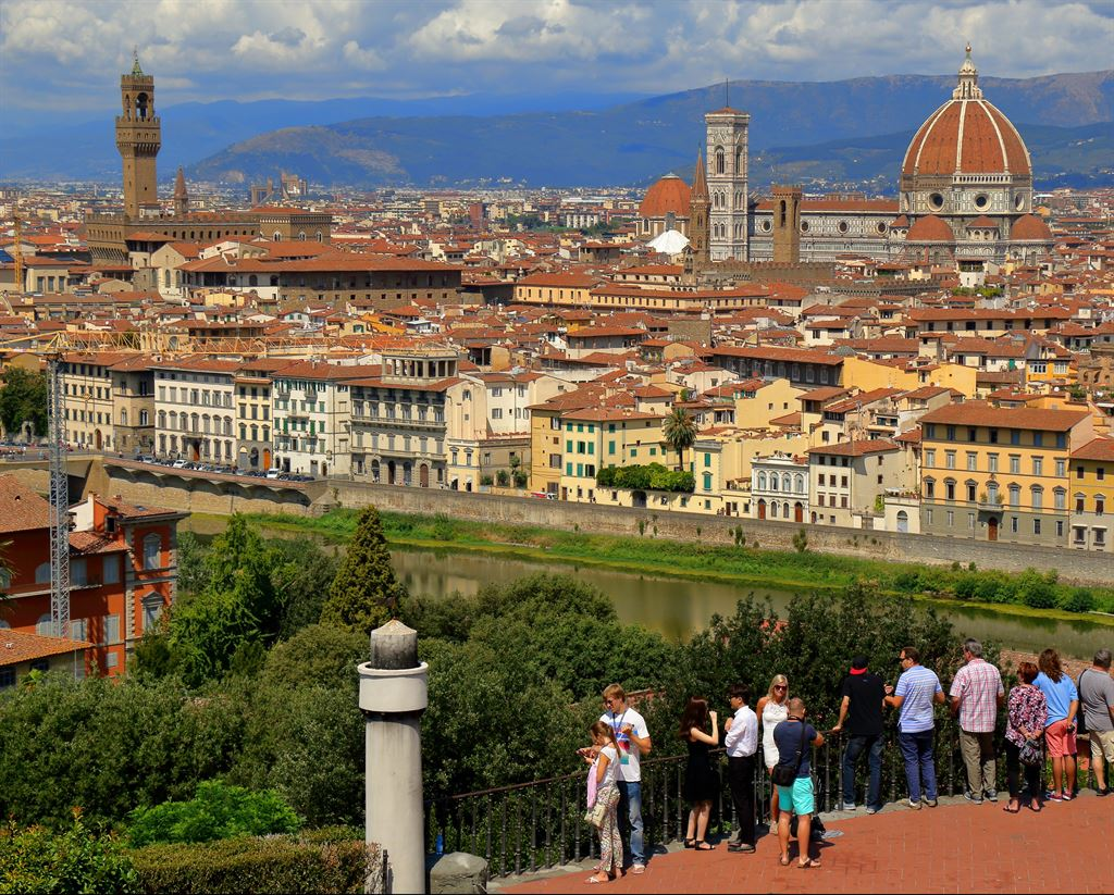 Piazzale Michelangelo. Diacover Florence